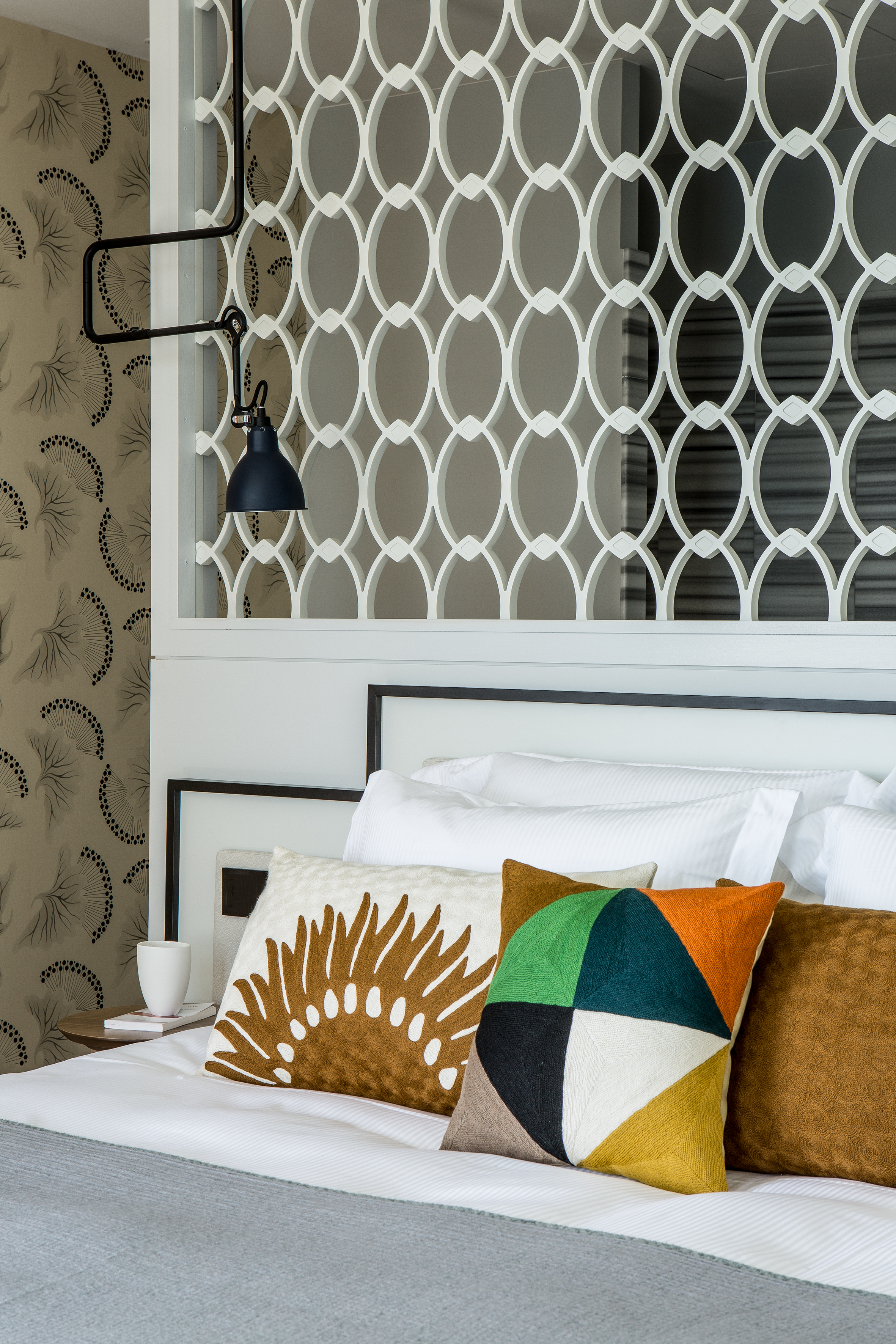 castelbrac premi res images. Black Bedroom Furniture Sets. Home Design Ideas