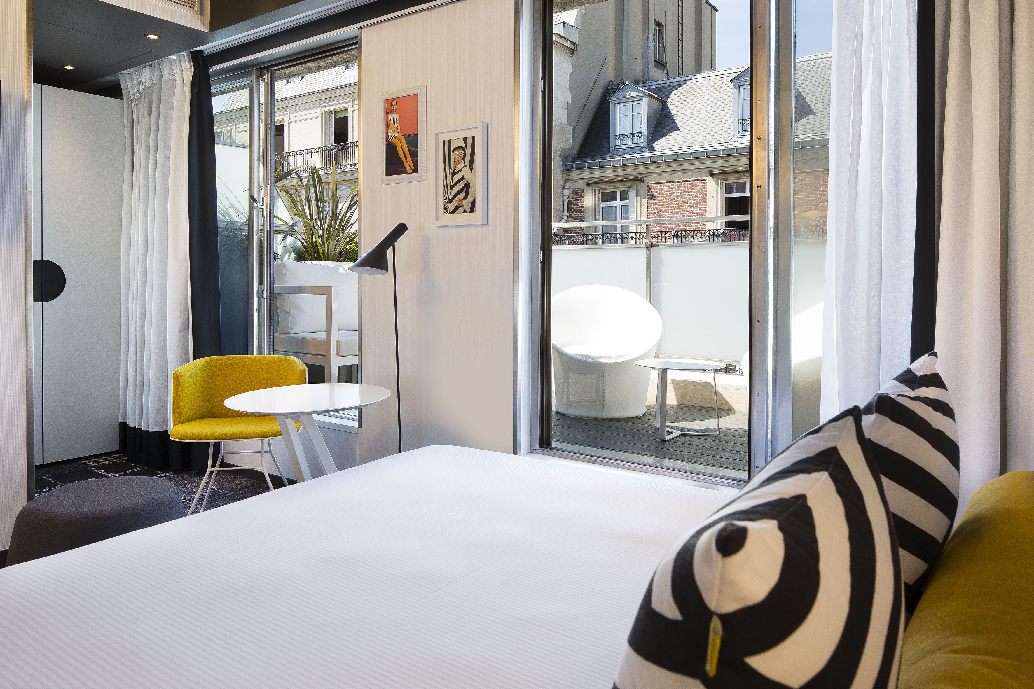 L 39 h tel ekta trois etoiles couture dailybedroom for Design hotel france