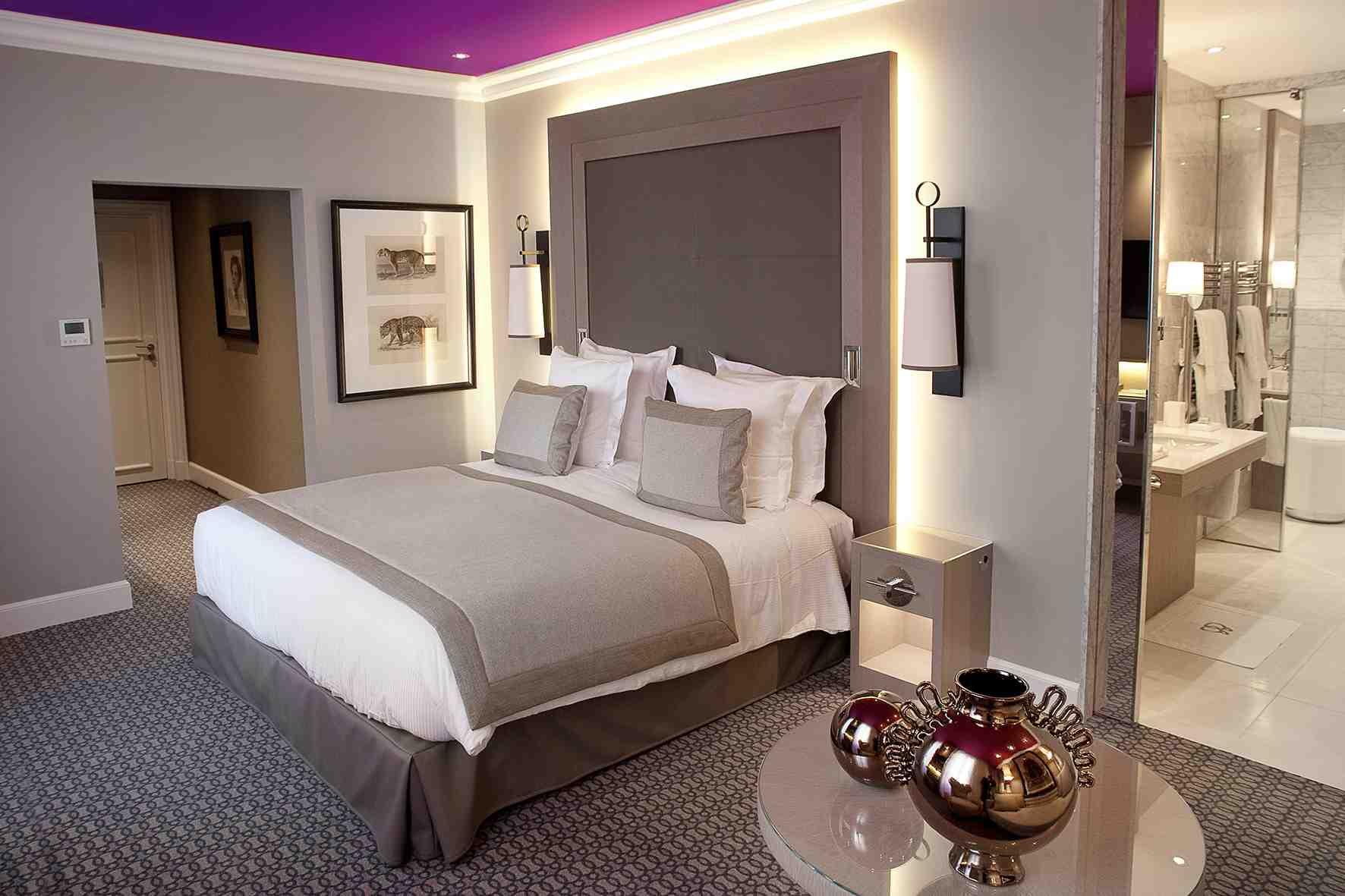 d couvertes. Black Bedroom Furniture Sets. Home Design Ideas