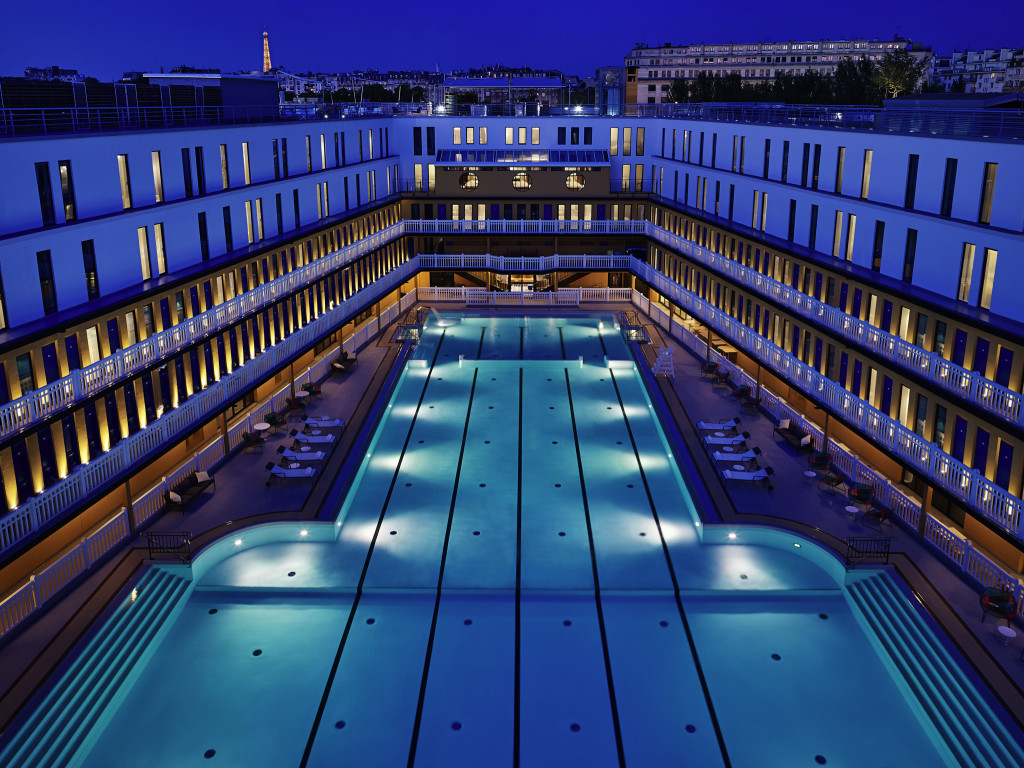 Petit d jeuner plong e dans la piscine du molitor for Top design hotels in paris