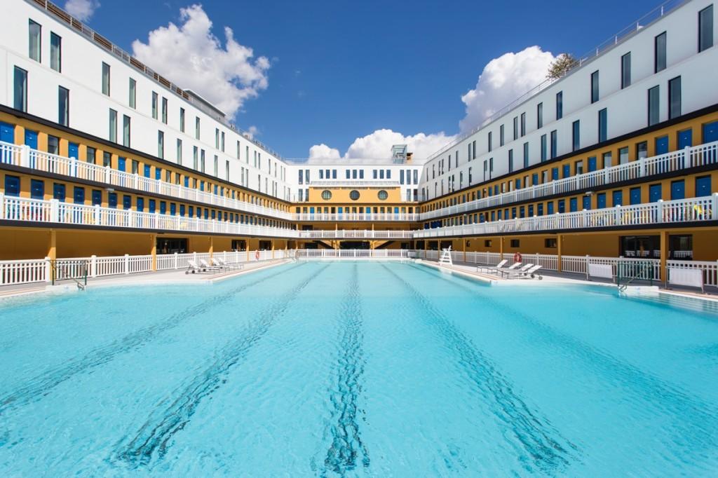 Petit d jeuner plong e dans la piscine du molitor for Hotel avec piscine new york