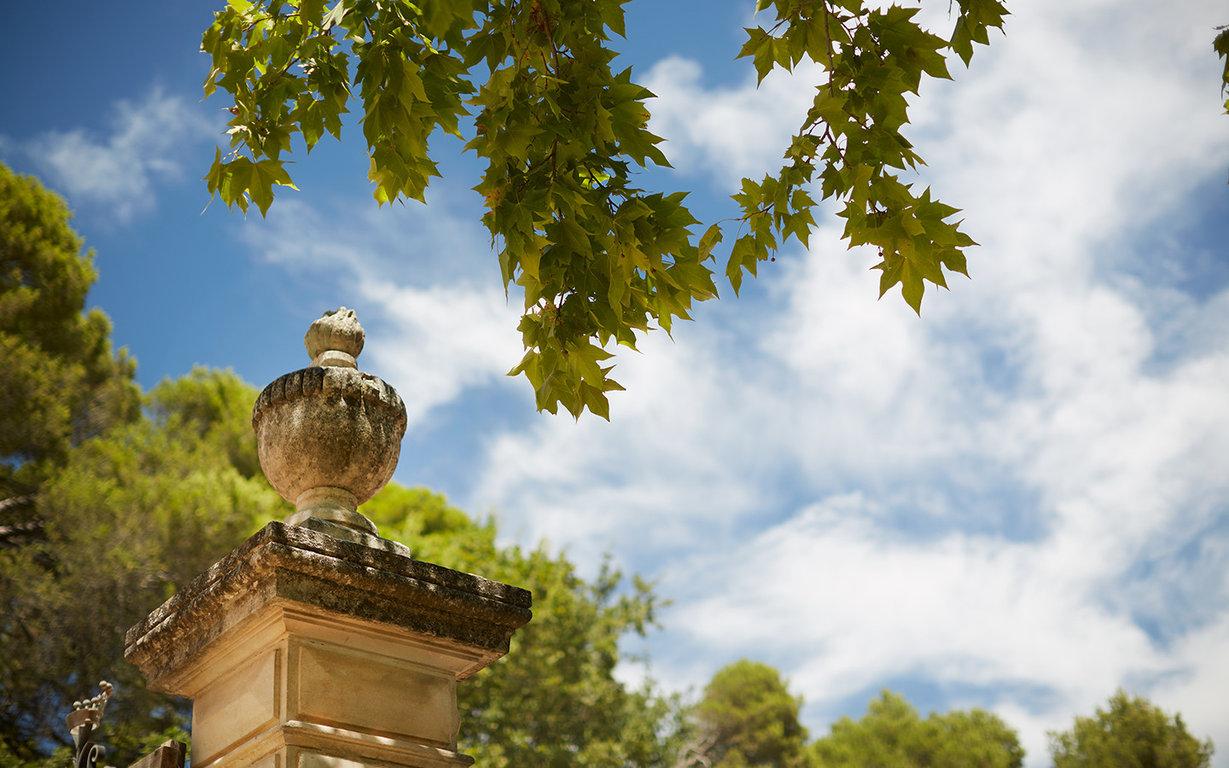 Le domaine de fontenille une bastide dans les vignes du luberon dailybedroom - Le domaine de fontenille ...